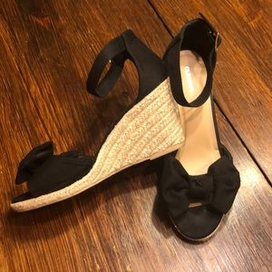 Old Navy Shoes - Black bow wedges